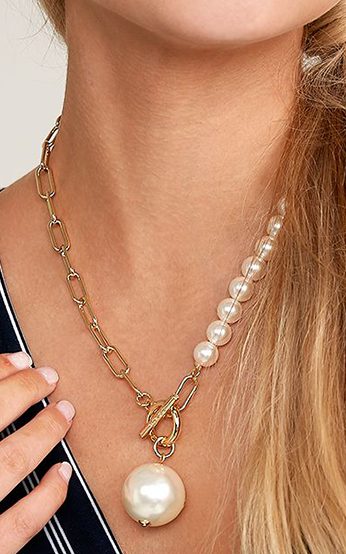Chain and Pearl Pendant Necklace