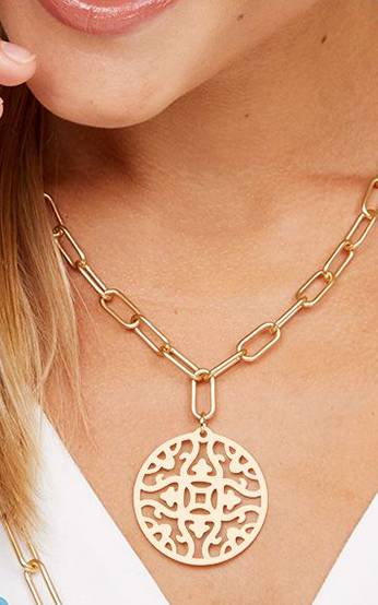 Emblem Pendant And Chain Collar Necklace