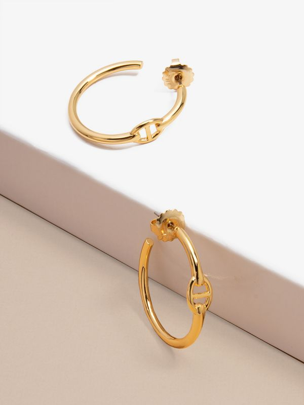 Anchor Link Hoop Earring