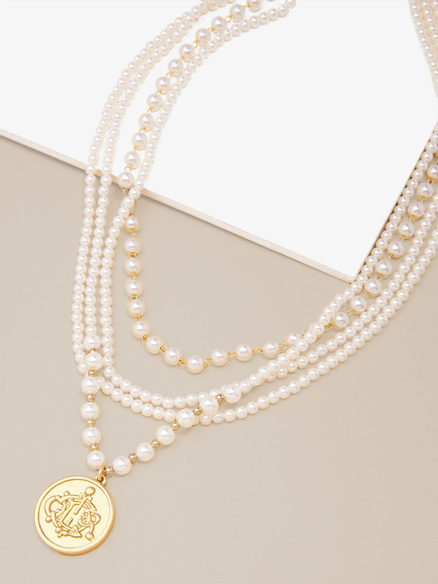 Pearl Collar Necklace With Coin Pendant