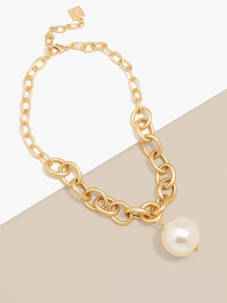 Oval Link Pearl Charm Collar Necklace