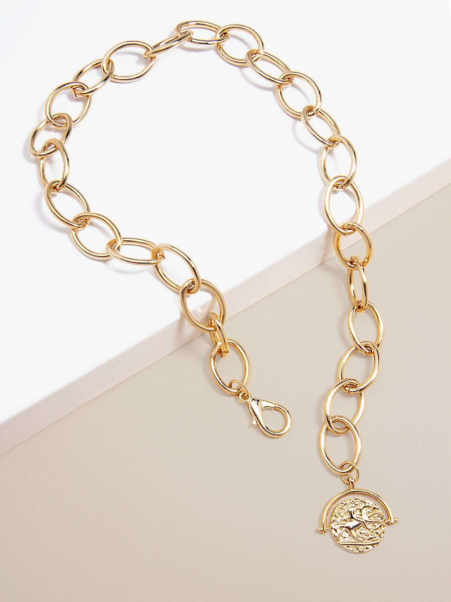 Oval Links And Pendant Collar Necklace