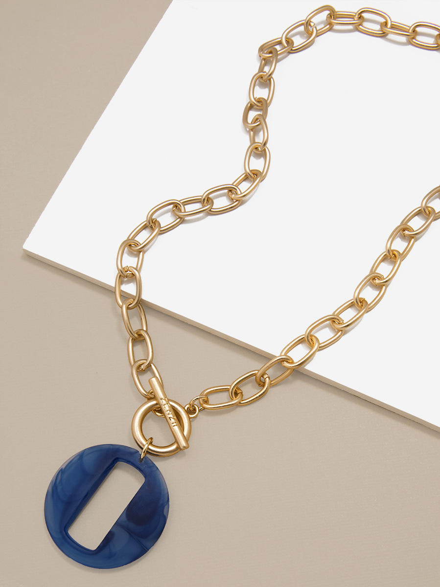 Resin Link and Chain Toggle Collar Necklace